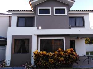Casa En Alquileren Panama, Brisas Del Golf, Panama, PA RAH: 21-6728