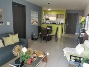 Apartamento En Alquileren Panama, Bellavista, Panama, PA RAH: 21-7653