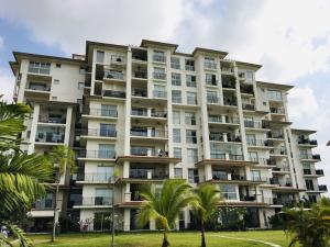 Apartamento En Ventaen Panama, Santa Maria, Panama, PA RAH: 21-7743