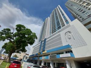 Apartamento En Ventaen Panama, Carrasquilla, Panama, PA RAH: 21-8231