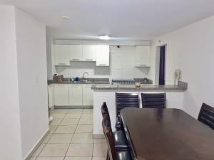 Apartamento En Alquileren Panama, Condado Del Rey, Panama, PA RAH: 21-8292
