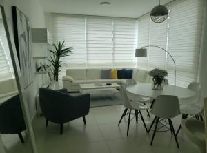 Apartamento En Alquileren Panama, Costa Del Este, Panama, PA RAH: 21-8325