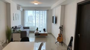 Apartamento En Ventaen Panama, Carrasquilla, Panama, PA RAH: 21-8333