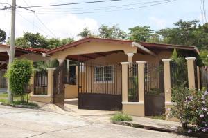 Casa En Ventaen Panama, Brisas Del Golf, Panama, PA RAH: 21-8363