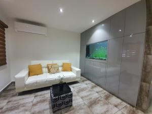 Casa En Alquileren Panama, Versalles, Panama, PA RAH: 21-8381