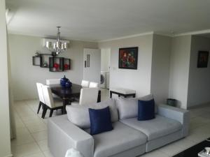 Apartamento En Alquileren Panama, Obarrio, Panama, PA RAH: 21-8729