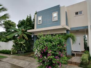 Casa En Ventaen Panama, Brisas Del Golf, Panama, PA RAH: 21-8911