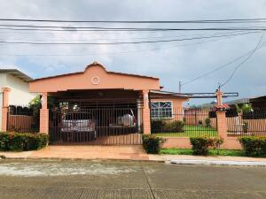 Casa En Ventaen Panama, Milla 8, Panama, PA RAH: 21-8994