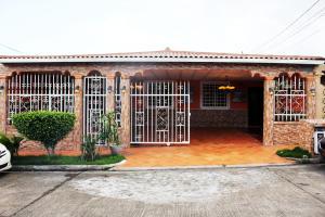 Casa En Ventaen Panama, Brisas Del Golf, Panama, PA RAH: 21-9126