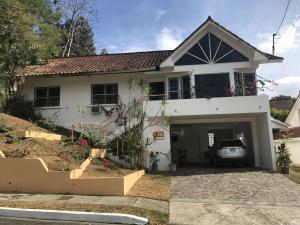 Casa En Ventaen Panama, Brisas Del Golf, Panama, PA RAH: 21-9277
