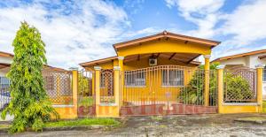 Casa En Ventaen Panama, Brisas Del Golf, Panama, PA RAH: 21-9706