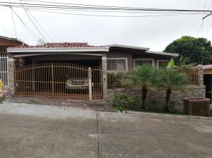 Casa En Ventaen Panama, Villa Zaita, Panama, PA RAH: 21-9438