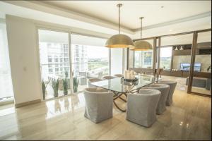 Apartamento En Ventaen Panama, Santa Maria, Panama, PA RAH: 21-9597