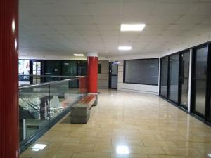 Local Comercial En Alquileren Panama, Avenida Balboa, Panama, PA RAH: 21-10181