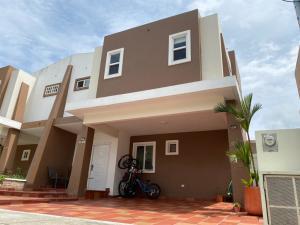 Casa En Alquileren Panama, Brisas Del Golf, Panama, PA RAH: 21-10860