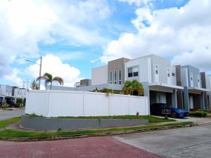 Casa En Ventaen Panama, Brisas Del Golf, Panama, PA RAH: 21-11483