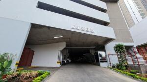Apartamento En Ventaen Panama, Carrasquilla, Panama, PA RAH: 21-11493