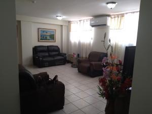 Apartamento En Alquileren San Miguelito, San Antonio, Panama, PA RAH: 21-12179