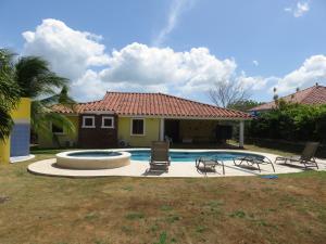 Casa En Ventaen Chame, Coronado, Panama, PA RAH: 22-8