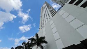 Apartamento En Ventaen Panama, Santa Maria, Panama, PA RAH: 22-225