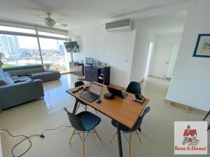 Apartamento En Ventaen Panama, El Cangrejo, Panama, PA RAH: 22-257