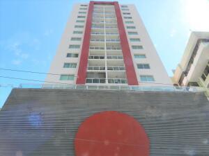 Apartamento En Alquileren Panama, San Francisco, Panama, PA RAH: 22-879