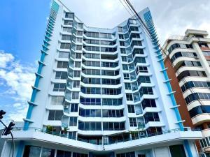 Apartamento En Ventaen Panama, San Francisco, Panama, PA RAH: 22-983