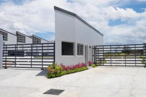 Galera En Alquileren Panama, Milla 8, Panama, PA RAH: 22-984