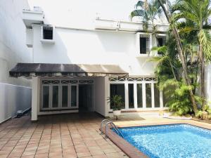 Casa En Ventaen Panama, Obarrio, Panama, PA RAH: 22-1127