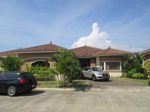 Casa En Ventaen Panama, Costa Sur, Panama, PA RAH: 22-1139