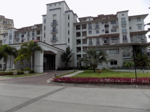 Apartamento En Ventaen Panama, Santa Maria, Panama, PA RAH: 22-2114