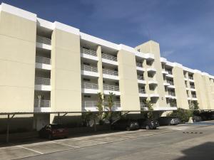Apartamento En Ventaen Panama, Ancon, Panama, PA RAH: 22-1956