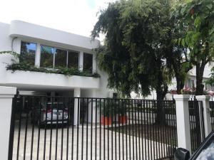 Casa En Ventaen Panama, Obarrio, Panama, PA RAH: 22-2076