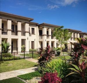 Townhouse En Ventaen Panama, Clayton, Panama, PA RAH: 22-2098