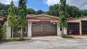 Casa En Ventaen Panama, Brisas Del Golf, Panama, PA RAH: 22-2513