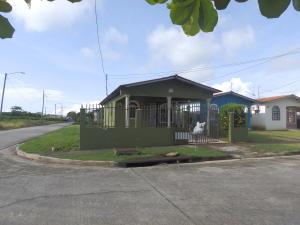 Casa En Ventaen Pacora, Cerro Azul, Panama, PA RAH: 22-2770