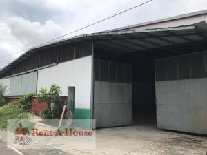 Galera En Ventaen Panama, Juan Diaz, Panama, PA RAH: 22-2845