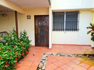 Casa En Ventaen Panama, Milla 8, Panama, PA RAH: 22-2990