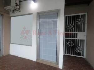 Local Comercial En Alquileren Panama, Edison Park, Panama, PA RAH: 22-3104
