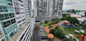 Apartamento En Ventaen Panama, 12 De Octubre, Panama, PA RAH: 22-3057