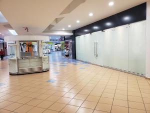 Local Comercial En Alquileren Panama, Albrook, Panama, PA RAH: 22-3086
