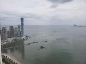 Apartamento En Ventaen Panama, Avenida Balboa, Panama, PA RAH: 22-3093