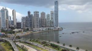 Apartamento En Alquileren Panama, Avenida Balboa, Panama, PA RAH: 22-3351