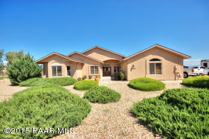 Photo of 688 N Firesky Lane, Chino Valley, AZ a single family home around 2500 Sq Ft., 3 Beds, 2 Baths