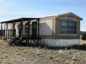 Photo of 24101 W Crooked Horse Trail, Seligman, AZ a single family manufactured home around 800 Sq Ft., 2 Beds, 1 Bath