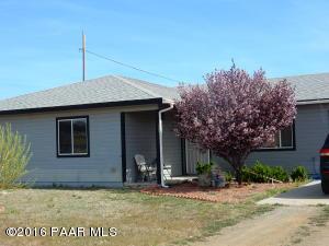 Photo of 15321 S Val Vista Road, Mayer, AZ a single family home around 1600 Sq Ft., 3 Beds, 2 Baths
