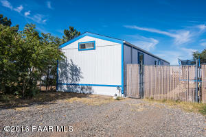 Photo of 8712 E Tracy Drive, Prescott Valley, AZ a single family manufactured home around 1100 Sq Ft., 3 Beds, 2 Baths