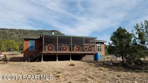 Photo of 1087 Anvil Rock, Seligman, AZ a single family manufactured home around 1300 Sq Ft., 3 Beds, 2 Baths