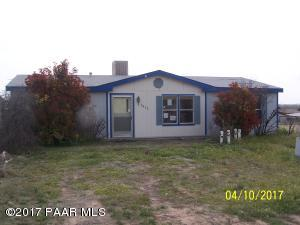 Photo of 2635 Shawnee Trail, Chino Valley, AZ a single family manufactured home around 1200 Sq Ft., 3 Beds, 2 Baths