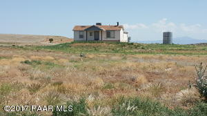 Photo of 3650 Meadow Lake Drive, Chino Valley, AZ a single family home around 1500 Sq Ft., 3 Beds, 2 Baths